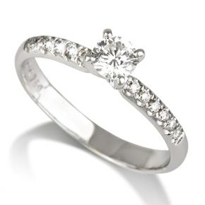 טבעת אירוסין בשילוב 14 יהלומי צד