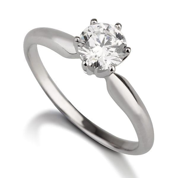 טבעת אירוסין סוליטר בשיבוץ כתר