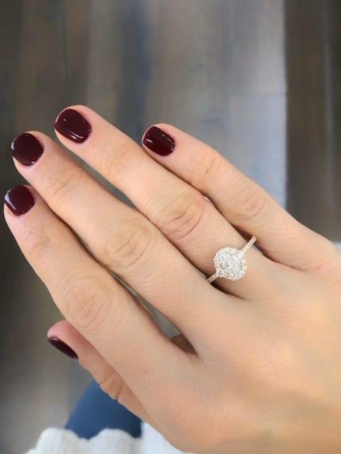 טבעת יהלומים אובל