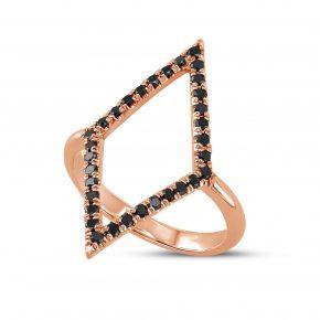 טבעת יהלומים שחורים מעוין