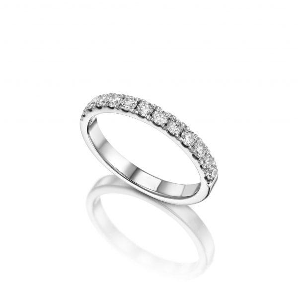 טבעת איטרניטי יהלומים.