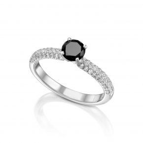 טבעת יהלום שחור בשילוב יהלומים לבנים