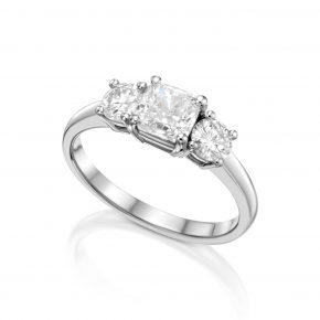 טבעת שלושה יהלומים בליטוש קושן