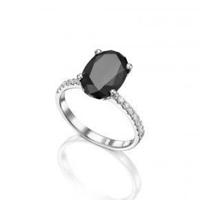 טבעת אובל יהלום שחור בשילוב יהלומים